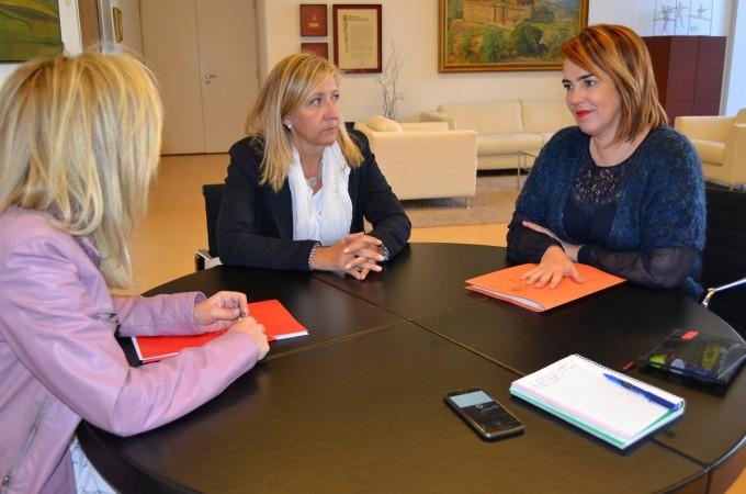 La presidenta del Parlamento se reúne con la dirección de Amedna-Neeze