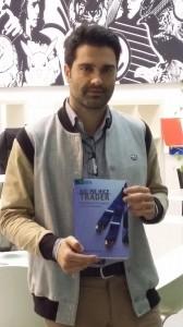 Jorge Labarta con el libro