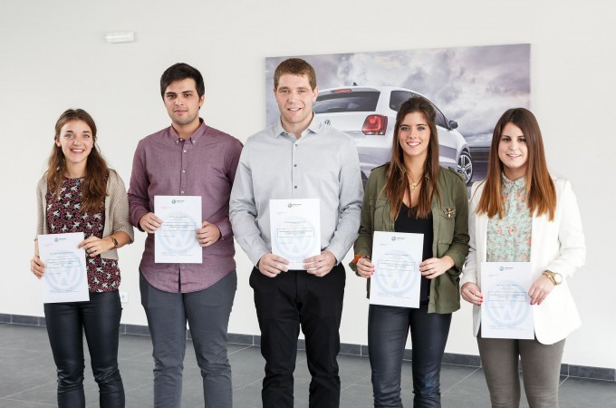 Eneko Iriarte, premiado por VW Navarra por su trabajo fin de carrera