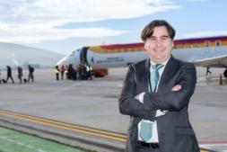 Antonio García Aparicio, director del Aeropuerto de Pamplona. (Fotos: Víctor Rodrigo)