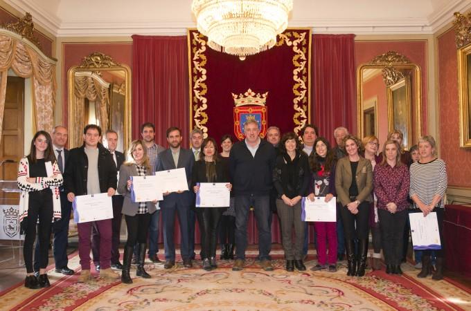 El Ayuntamiento de Pamplona entrega los distintivos SICTED de calidad a 16 empresas de la capital navarra