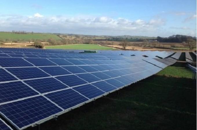 La navarra OPDE conecta 3 parques fotovoltaicos más y continúa su expansión por Inglaterra