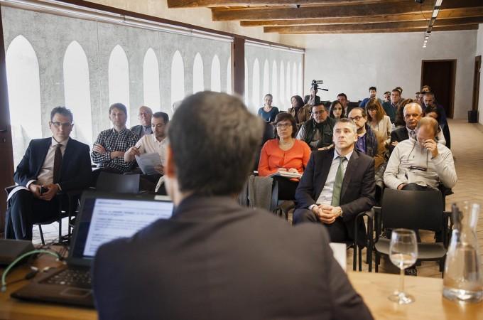 Navarra presenta su 'Plan de Apoyo' a las PYMEs turísticas, comerciales y de artesanía