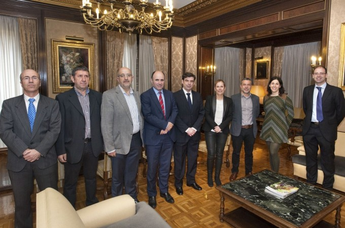 Reunión para analizar la evolución de la economía social en Navarra