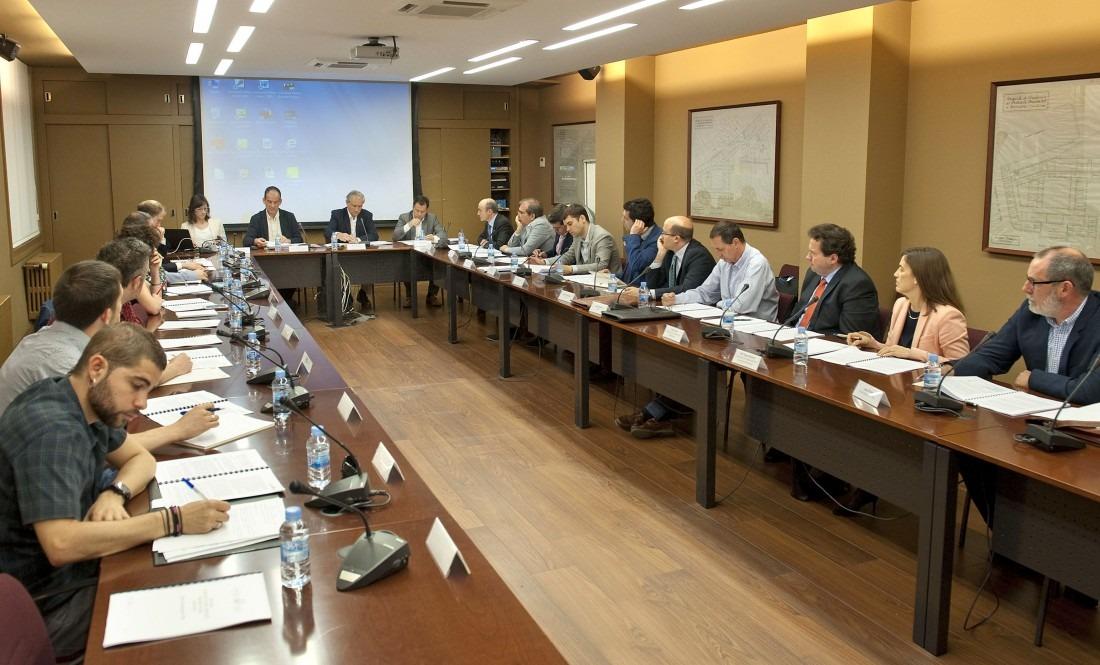 Última reunión de la Comisiíon AntiFraude promovida por el Gobierno de Navarra (Archivo).