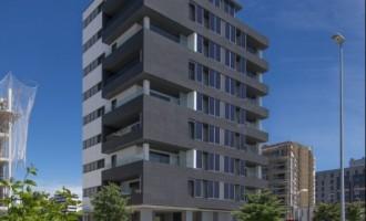 Abaigar entrega en Pamplona el primer edificio con paneles en fachada
