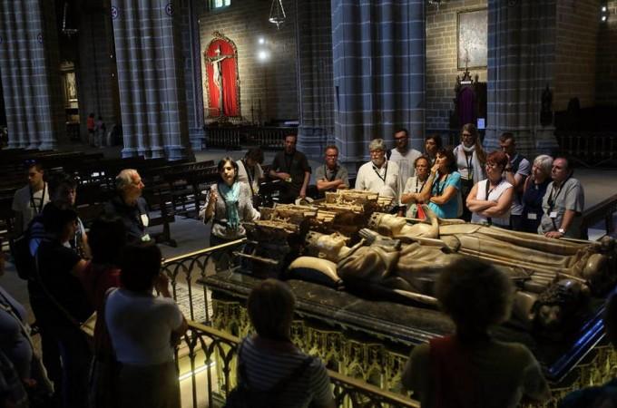 La Catedral 'reina' en el turismo estival de Pamplona