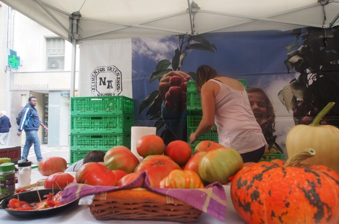 Arranca la 'III Feria del Tomante Antiguo' en Pamplona y Sarriguren