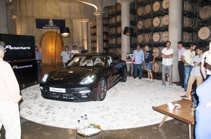 Centro Porsche Pamplona presenta el nuevo modelo 'Panamera'