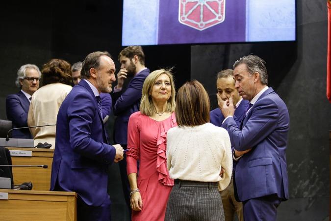Navarra Suma se abstuvo en las tres votaciones.