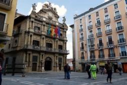 Plaza Consistorial y ayuntamiento de Pamplona.