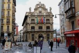 Terrada de bar en la plaza Consistorial del Pamplona.