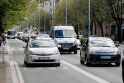 Tráfico en la avenida Baja Navarra.