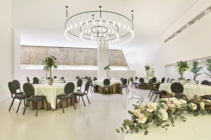 Salón Muralla de Baluarte, un acogedor espacio para degustar el menú de David.