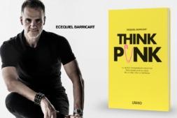Ecequiel Barricart con su nuevo libro 'Think Punk'.