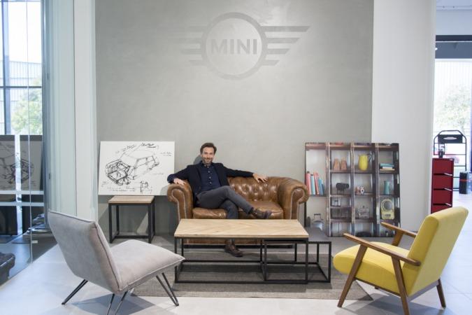 Manuel Terroba, en el espacio Mini de Lurauto Navarra.