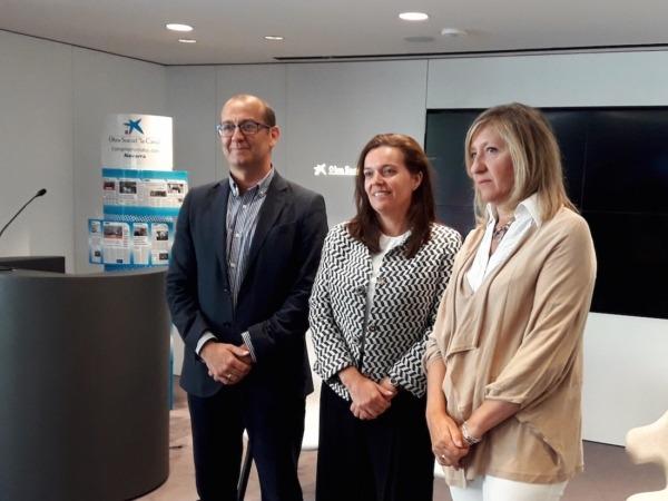 De izq a dcha, Javier Fernández Valdivielso, Ana Díez Fontana y Victoria Vidaurre.