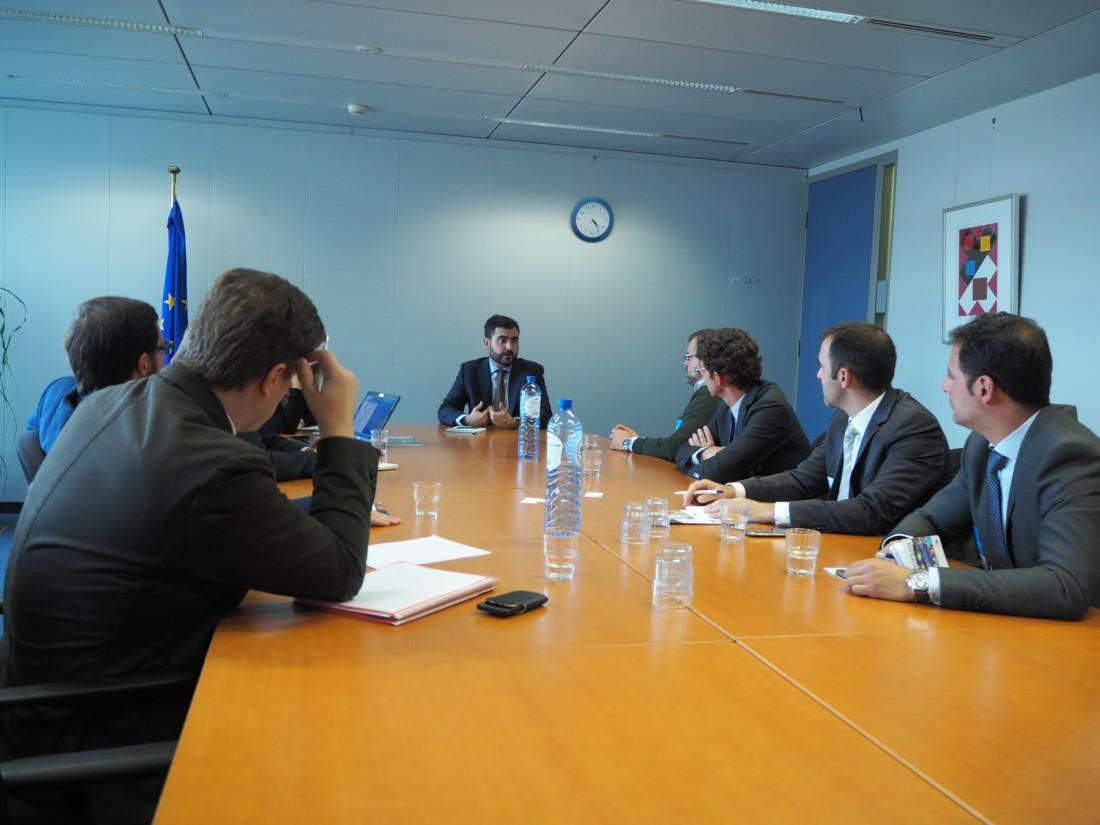 AJE visita Bruselas