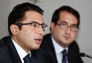 Cardoso y Belausteguigoitia en la presentación