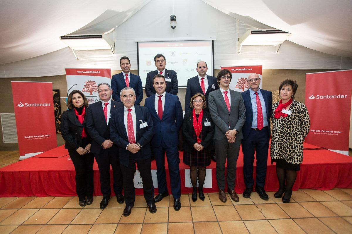 Foto de familia de la Junta Directiva de ADEFAN. (FOTOS: Víctor Rodrigo).