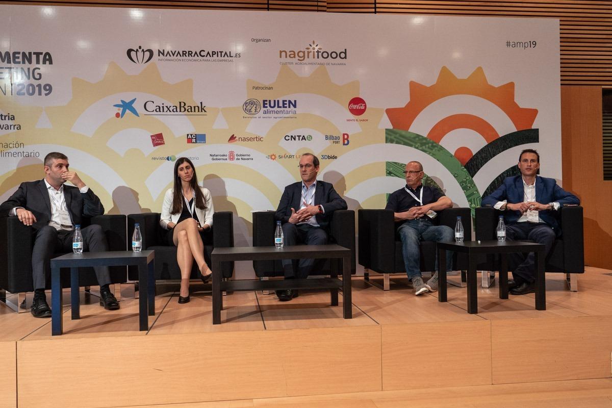 De izda. a dcha.:  Javier García-Lasheras, Ana Monreal, Carlos Achaerandio, Mikel Arbeloa, y Rubén Martínez.