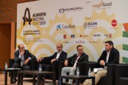 Andrés Montero, moderador de la mesa, junto a José Luis Molina (Hispatec); Carlos Callejero (Sensowawe-Digitanimal) y Javier Velasco (Cerealto Siro Foods).
