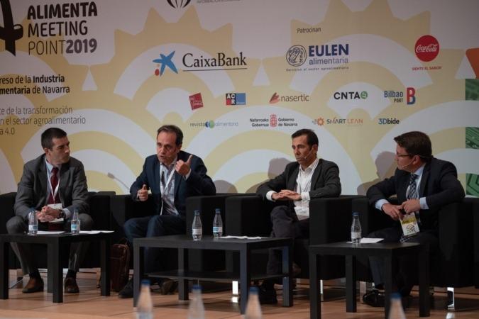 Iván Nieto (CNTA, moderador), Juan Jesús Alberdi (Ulma); Javier Villarreal (IBM), ey Felipe Medina (Asedas).