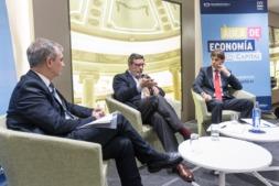 Un momento de la intervención de Antonio Bonet en el Aula de Economía DN Capital (FOTOS: Víctor Rodrígo)