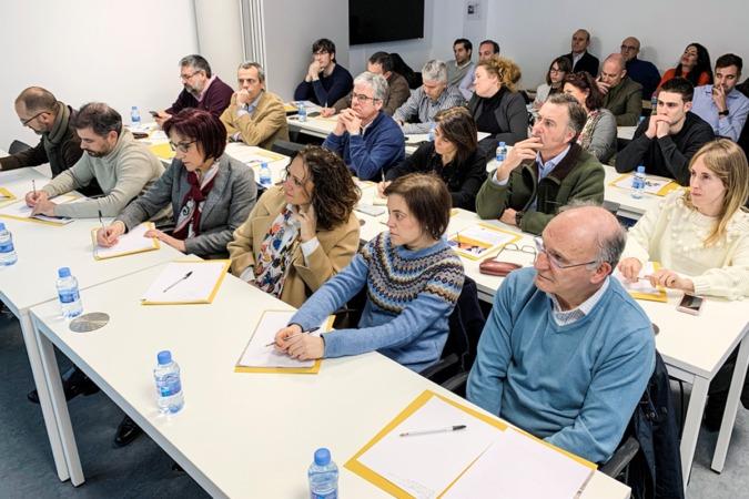 Asistentes a la jornada, que se celebró en la sede de CNTA.
