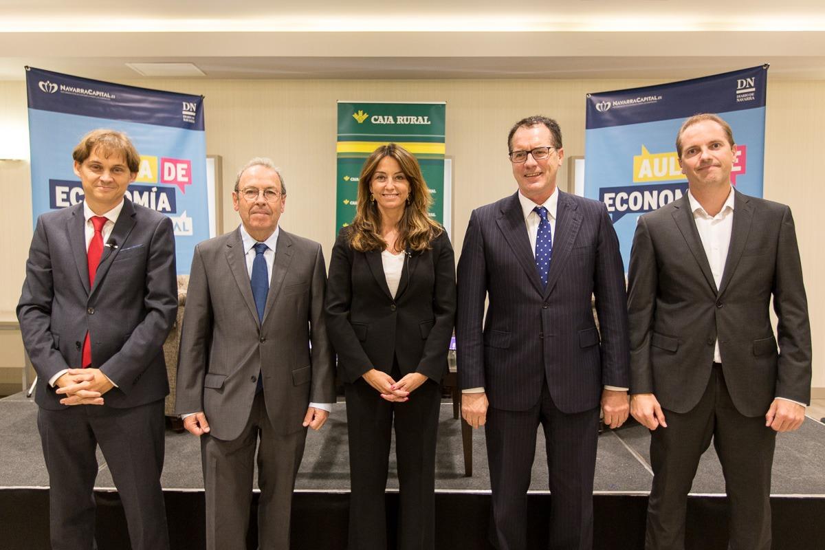 De I a D: Mikel Benet (NavarraCapital.es); Virgilio Sagüés (Diario de Navarra); Alicia Richart (DigitalES); jUAN
