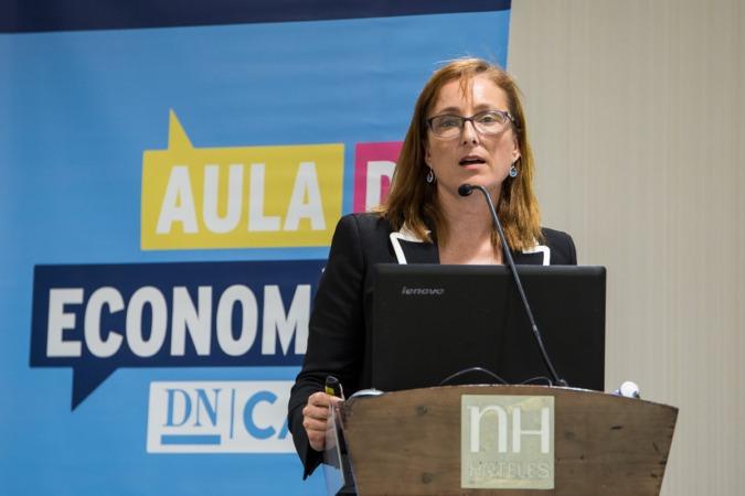 Un momento de la intervención de Mireia Torres en el Aula de Economía DN Capital (FOTOS: Víctor Rodrígo)