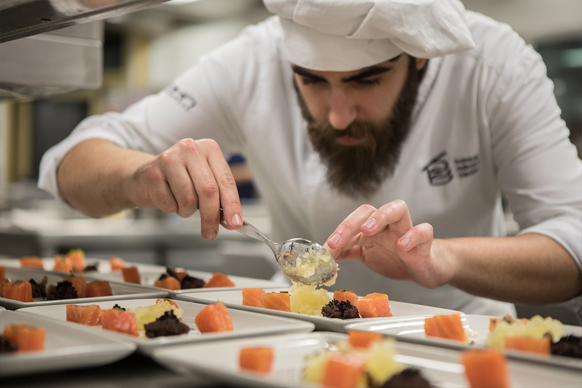 basque-culinary-center-gastronomia-cocinero