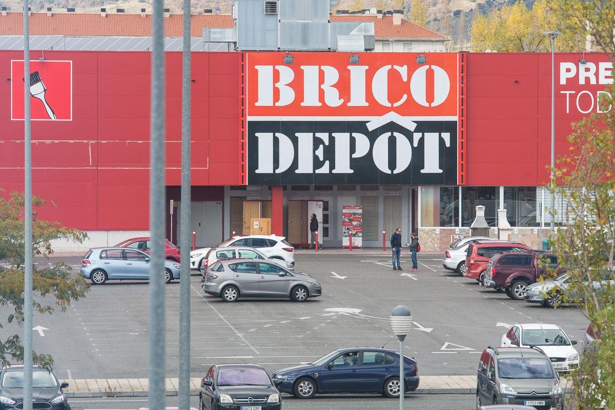 Brico d p t no cerrar sus tiendas en navarra seg n sus for Bricodepot pamplona catalogo