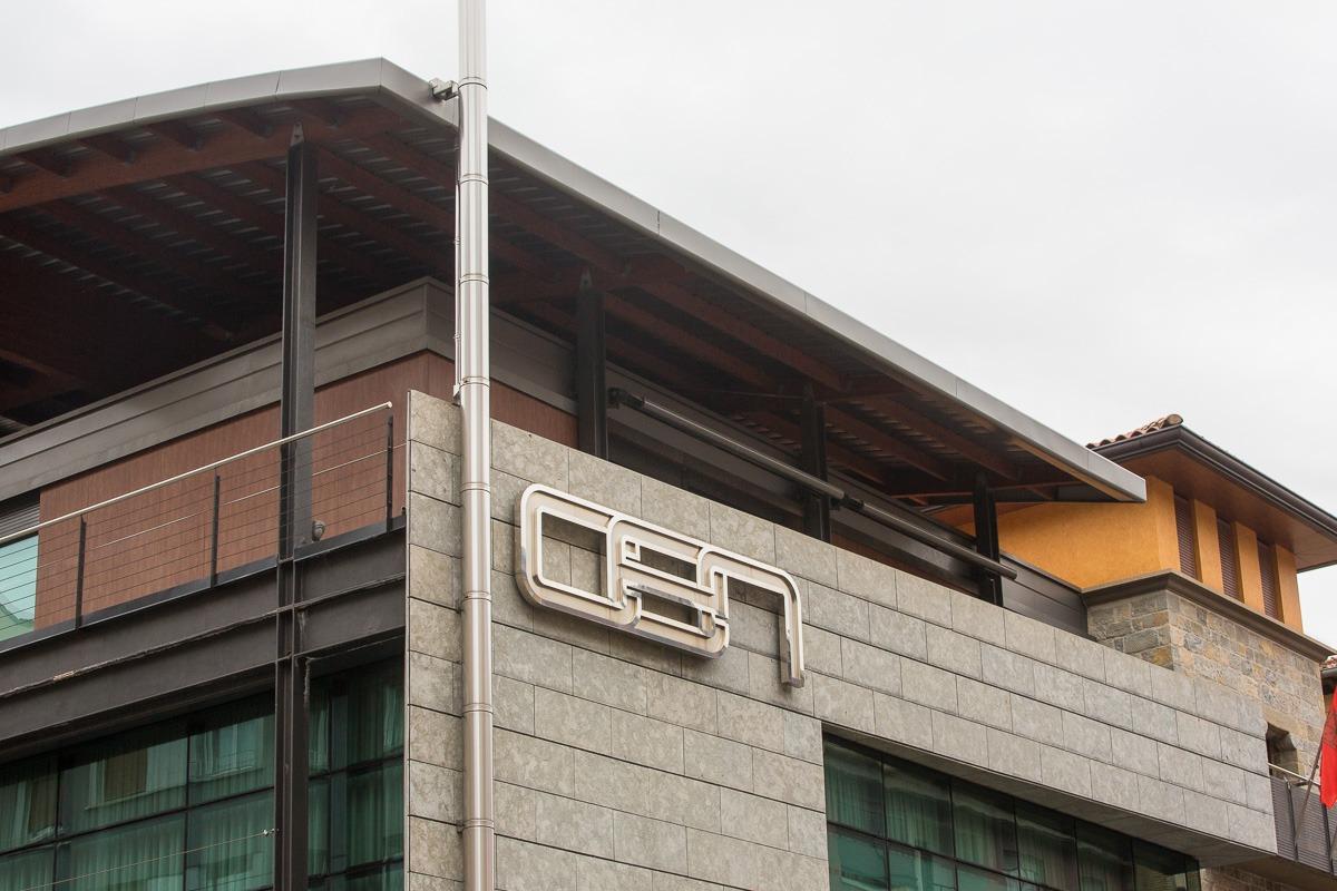 Imagen exterior de la sede de la CEN en Pamplona.