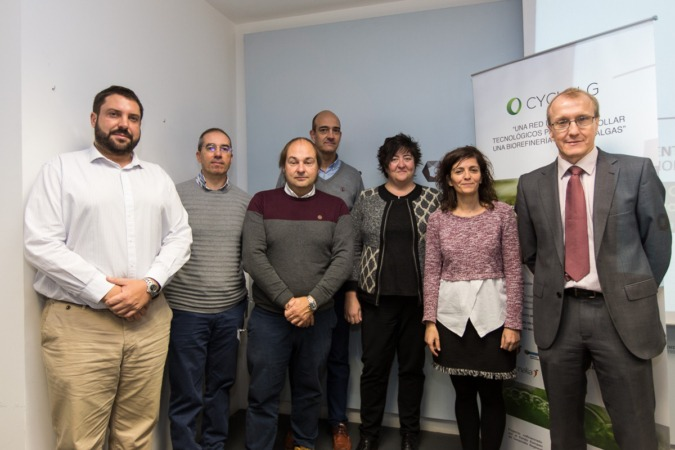 Foto de familia de los ponentes en la jornada desarrollada en CENER sobre el proyecto de bioeconomía circular 'CYCLALG'. (FOTOS: Víctor Rodrígo).