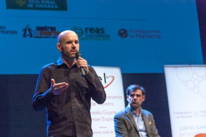 cepes-economia-social2015-2-4