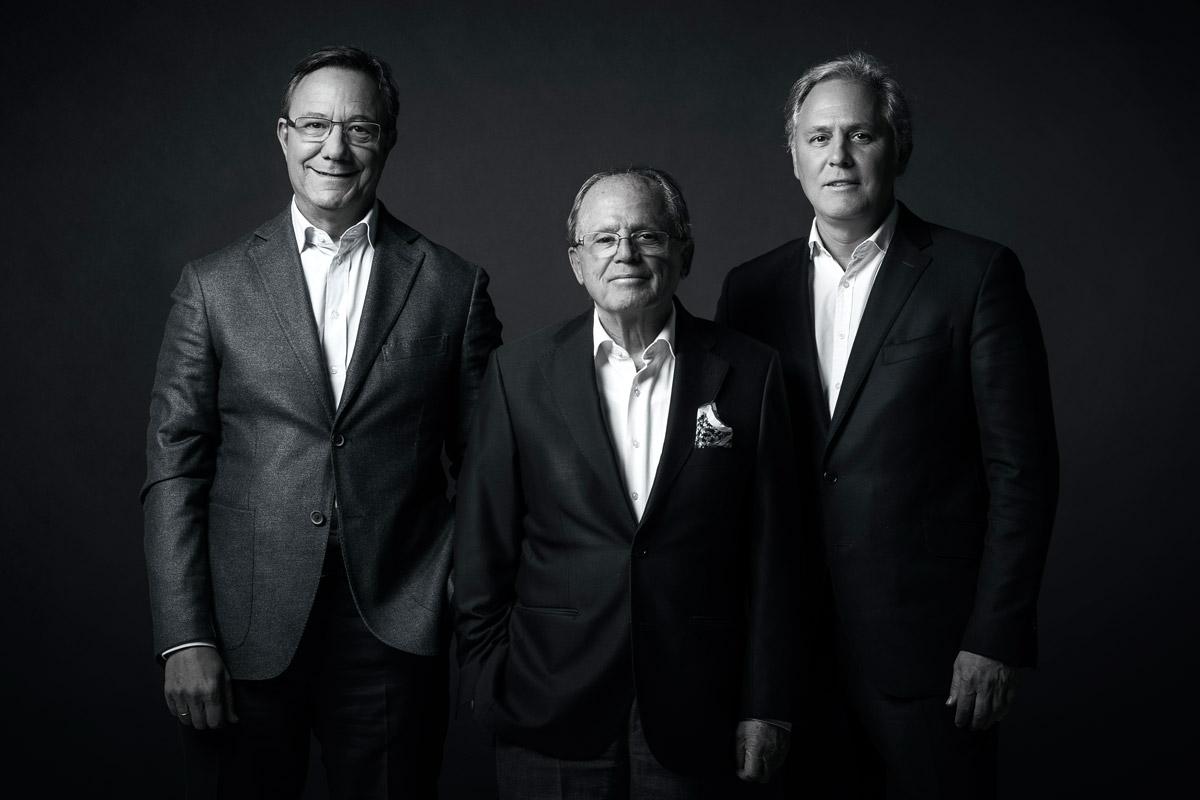 De Izquierda a derecha: Juan Carlos Franquet, José León Taberna y José Javier Armendáriz (FOTO: Estudio Pujol)