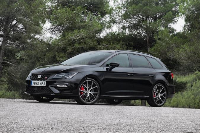 Imagen promocional del nuevo Seat León ST Cupra Black Carbón