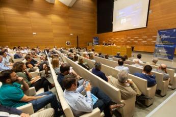 Imagen de la sala de Civican con los asistentes a los Cursos Europeos de Verano.