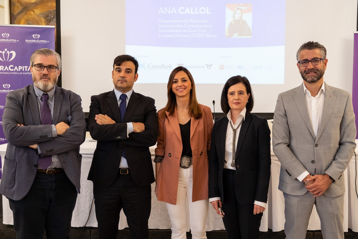 De Izda a Dcha. Tito Navarro (NavarraCapital.es), Rubén Pascual (CaixaBank); Ana Callol (Coca Cola); Cristina Sotro (AMEDNA) y; Miguel Ayerra (Iruña Motor). (FOTOS: Víctor Rodrigo).