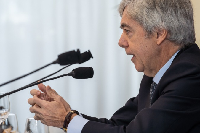 """Juan Carlos Ureta: """"No hay recesión global, pero sí recesión industrial"""""""