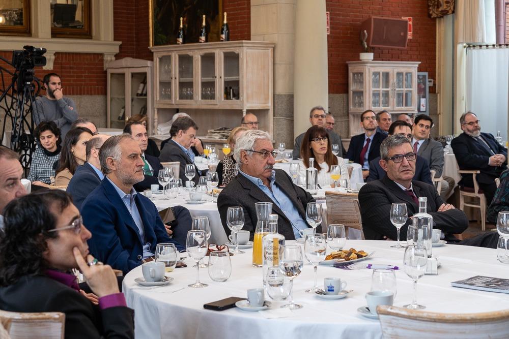 Desayuno Empresarial con Juan Carlos Ureta, presidente de Renta 4 Banco