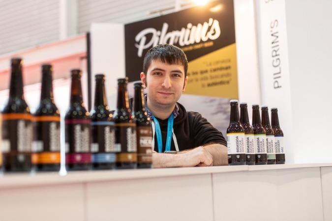 Edgard Rodríguez, sommelier especializado en cervezas del restaurante Racó d'en Cesc en Basquisite. (Fotos: Víctor Rodrigo)