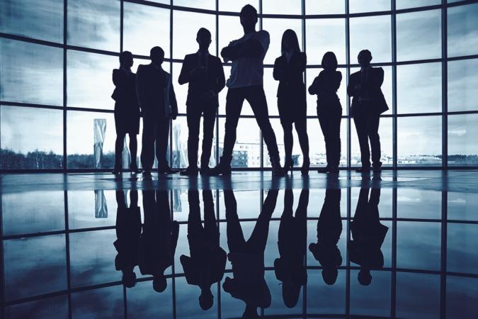 'Empresa y sociedad' es una recopilación de artículos dirigidos a darnos las claves para entender nuestro entorno.