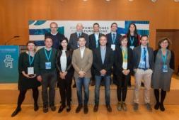 Foto de familia de los ponentes y participantes en el Ier Fórum Fundaciones celebrado este mediodía en Baluarte (FOTOS: Víctor Rodrigo)