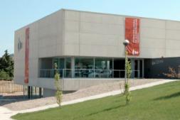 Imagen exterior de la sede de Fundación Laboral de la Construcción-FLC Navarra (FOTO: Víctor Rodrígo).