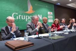 Momento en el que un emocionado Jesús Sarasa anuncia su retirada a la Asamblea General de Grupo AN (FOTOS: Víctor Rodrigo).