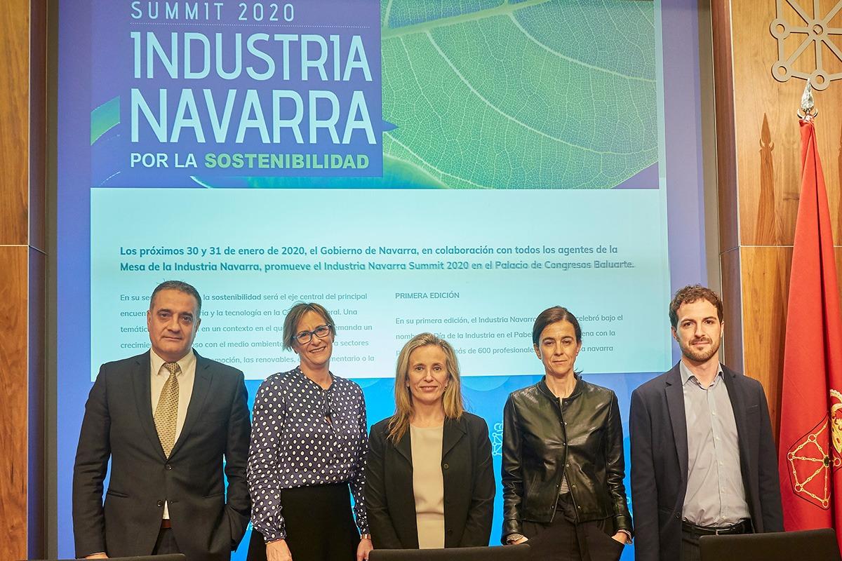 De izda. a dcha. Antonio Rodríguez (ANAIT), Cristina García (ATANA), Izaskun Goñi (Gobierno de Navarra9, Ana Ursúa (AIN) y Gonzalo Franco (Fundación Industrial Navarra).