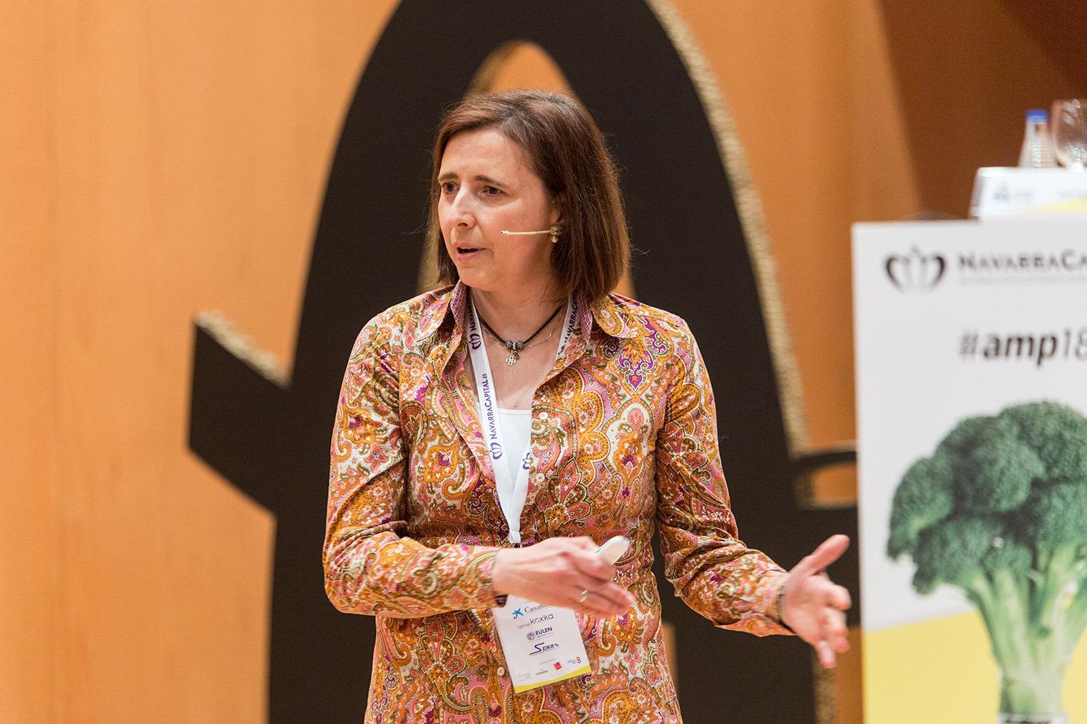 Inés Echeverría, directora de I+D+i de CNTA, desgranó en su ponencia las oportunidades para el desarrollo de nuevos productos a partir de las proteínas vegetales.