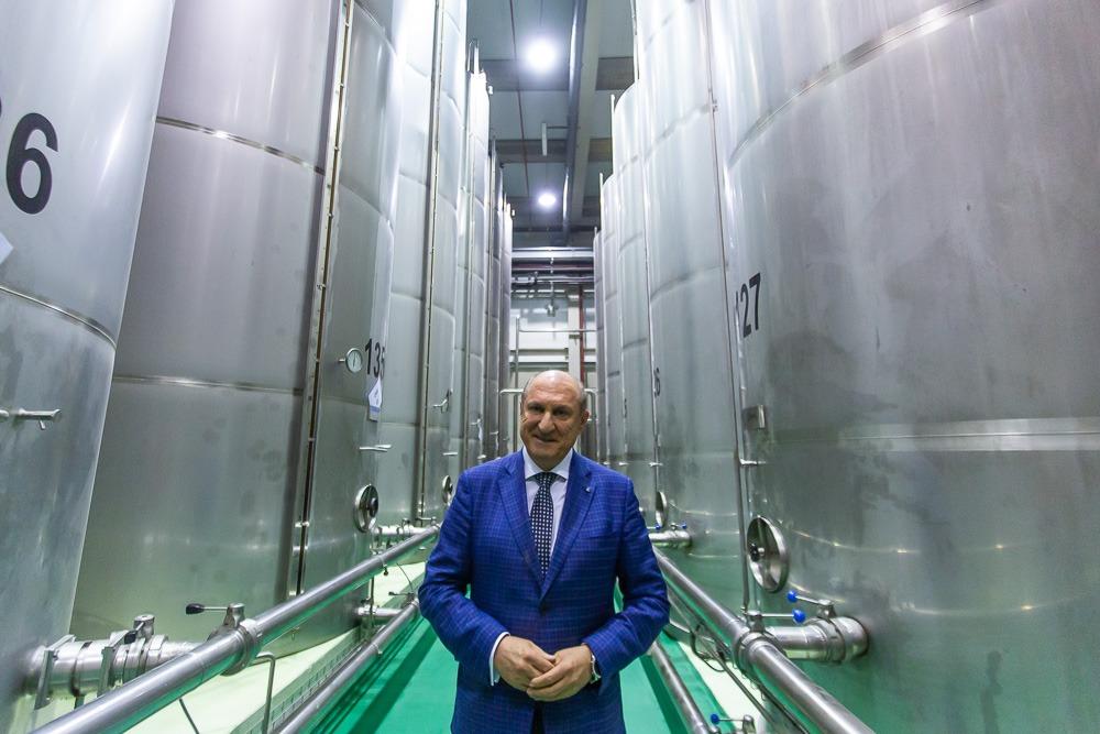 Cada depósito tiene un capacidad máxima de 600.000 litros.